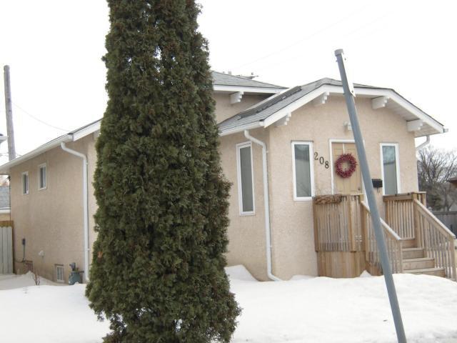Main Photo: 208 Sydney Avenue in WINNIPEG: East Kildonan Residential for sale (North East Winnipeg)  : MLS®# 1306425
