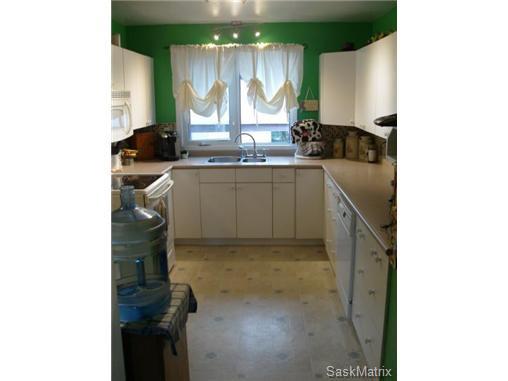 Photo 13: Photos: 540 East Place in Saskatoon: Eastview Single Family Dwelling for sale (Saskatoon Area 02)  : MLS®# 503868