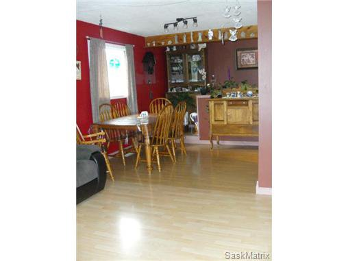 Photo 10: Photos: 540 East Place in Saskatoon: Eastview Single Family Dwelling for sale (Saskatoon Area 02)  : MLS®# 503868