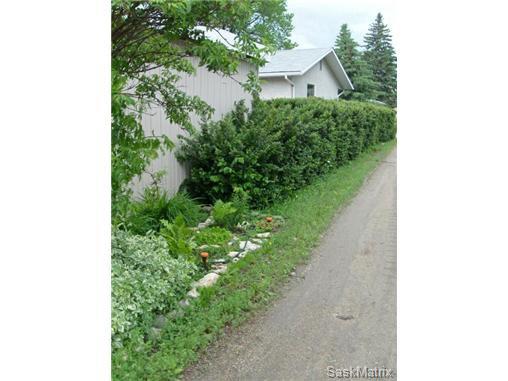 Photo 3: Photos: 540 East Place in Saskatoon: Eastview Single Family Dwelling for sale (Saskatoon Area 02)  : MLS®# 503868