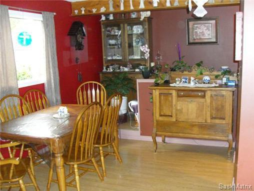 Photo 11: Photos: 540 East Place in Saskatoon: Eastview Single Family Dwelling for sale (Saskatoon Area 02)  : MLS®# 503868