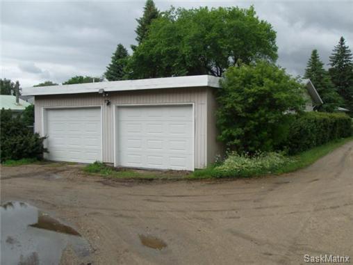 Photo 2: Photos: 540 East Place in Saskatoon: Eastview Single Family Dwelling for sale (Saskatoon Area 02)  : MLS®# 503868