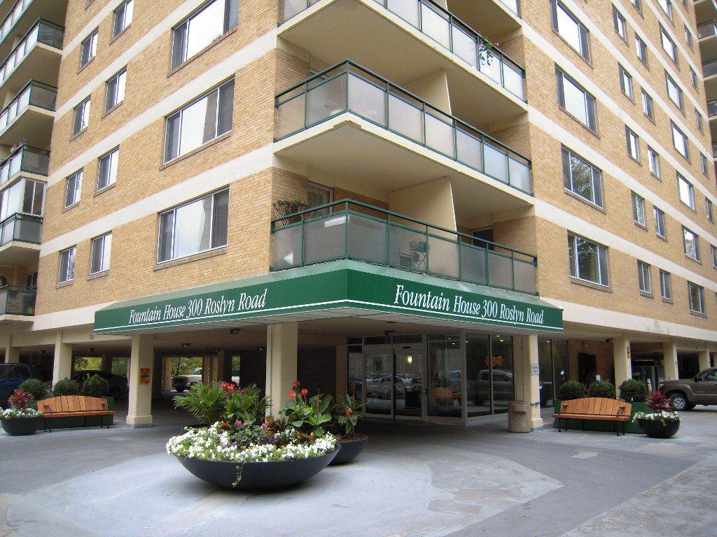 Main Photo: 8L 300 Roslyn Road: Condominium for sale (Central Winnipeg)  : MLS®# 1424354