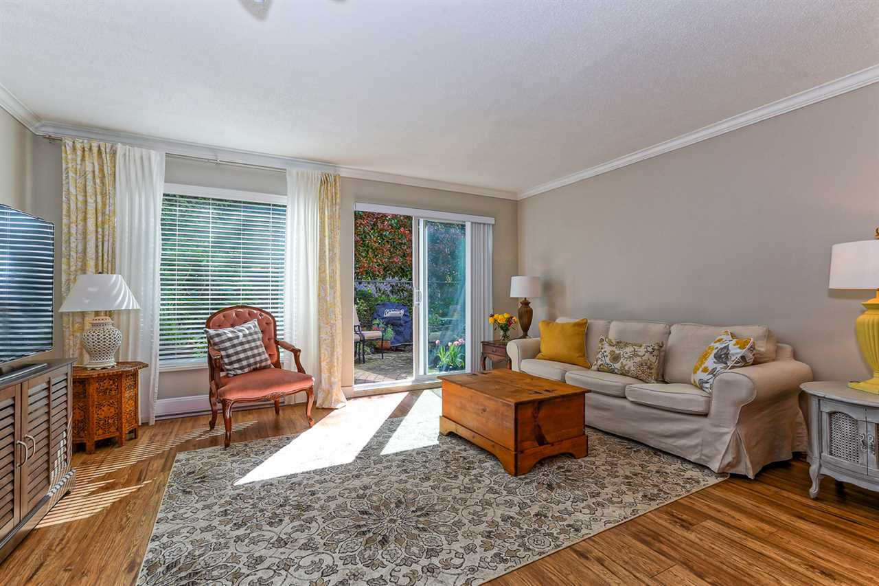 Main Photo: 114 4885 53 STREET in Delta: Hawthorne Condo for sale (Ladner)  : MLS®# R2053807