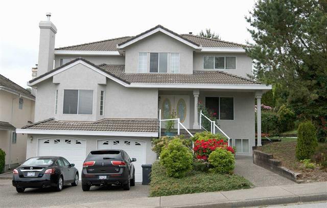 Main Photo: Coquitlam: Condo for sale : MLS®# R2071564