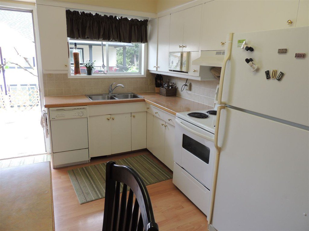Photo 2: Photos: Upper 2088 Paulson Crescent in Abbotsford: Central Abbotsford House for rent