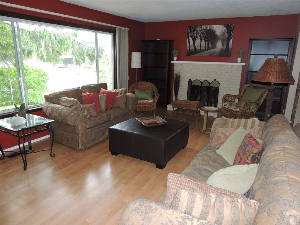 Photo 4: Photos: Upper 2088 Paulson Crescent in Abbotsford: Central Abbotsford House for rent