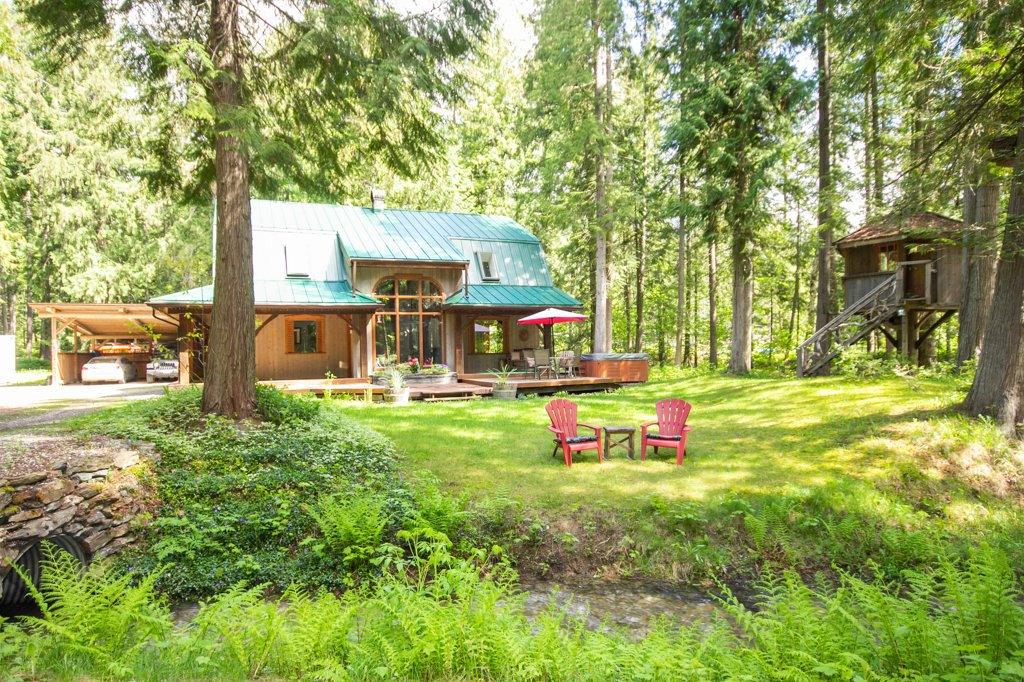 Main Photo: 1997 Bundus Road in : Sicamous Property for sale (SM)  : MLS®# 10182797