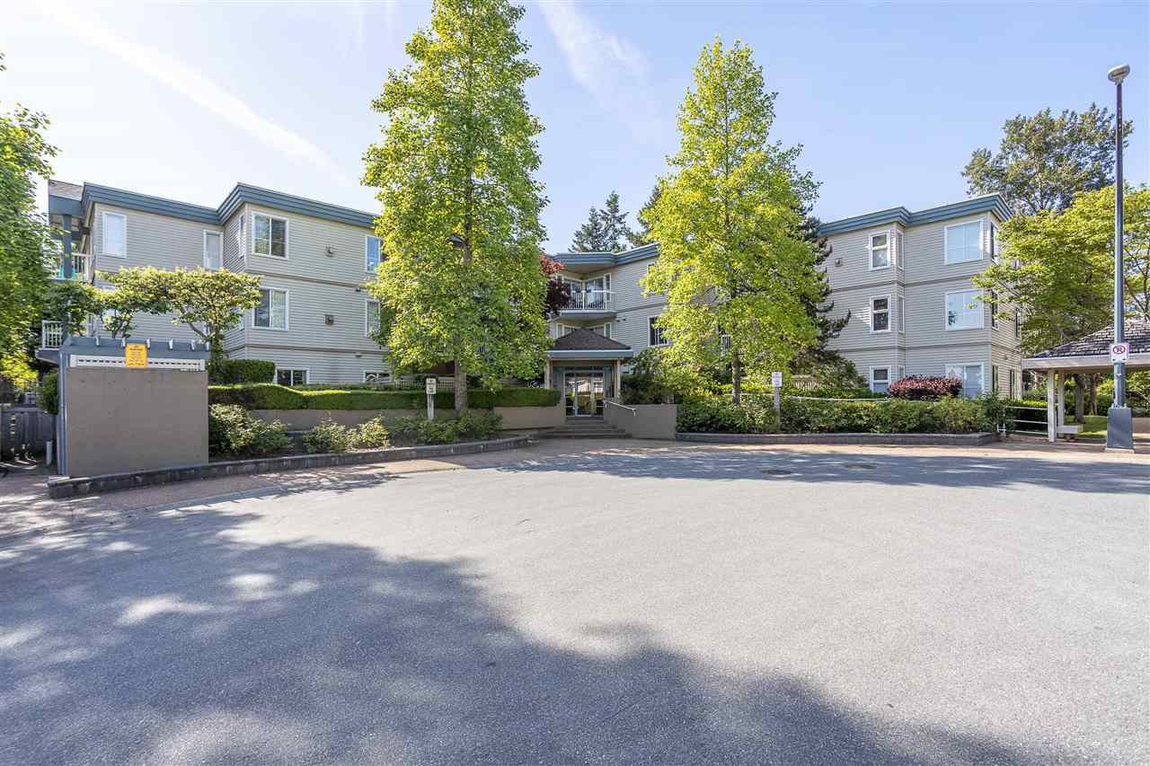 Main Photo: 304 10675 138A Street in Surrey: Whalley Condo for sale (North Surrey)  : MLS®# R2460076