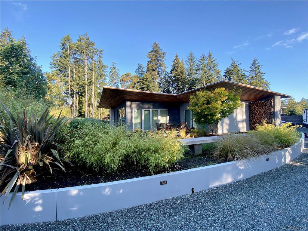 Main Photo: 626 Wain Rd in North Saanich: NS Deep Cove Single Family Detached for sale : MLS®# 844233