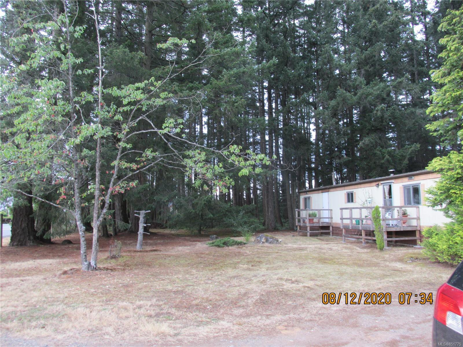 Main Photo: 480 Torrence Rd in : CV Comox Peninsula Manufactured Home for sale (Comox Valley)  : MLS®# 851775