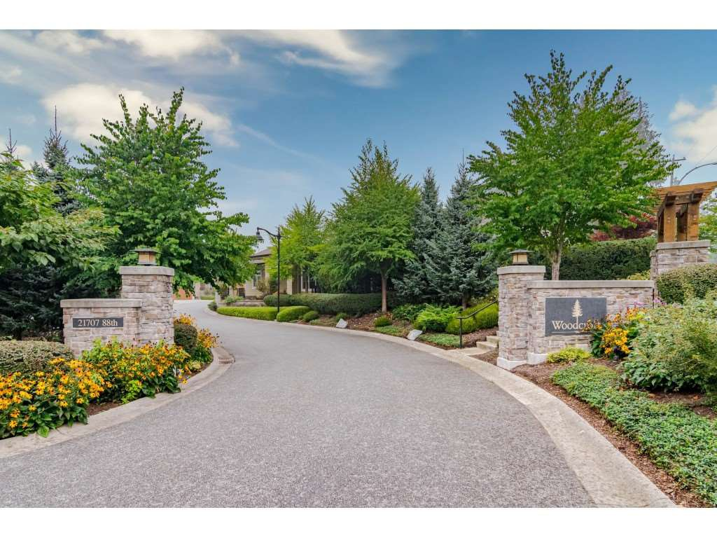 """Main Photo: 108 21707 88TH Avenue in Langley: Walnut Grove Townhouse for sale in """"Woodcroft"""" : MLS®# R2497274"""