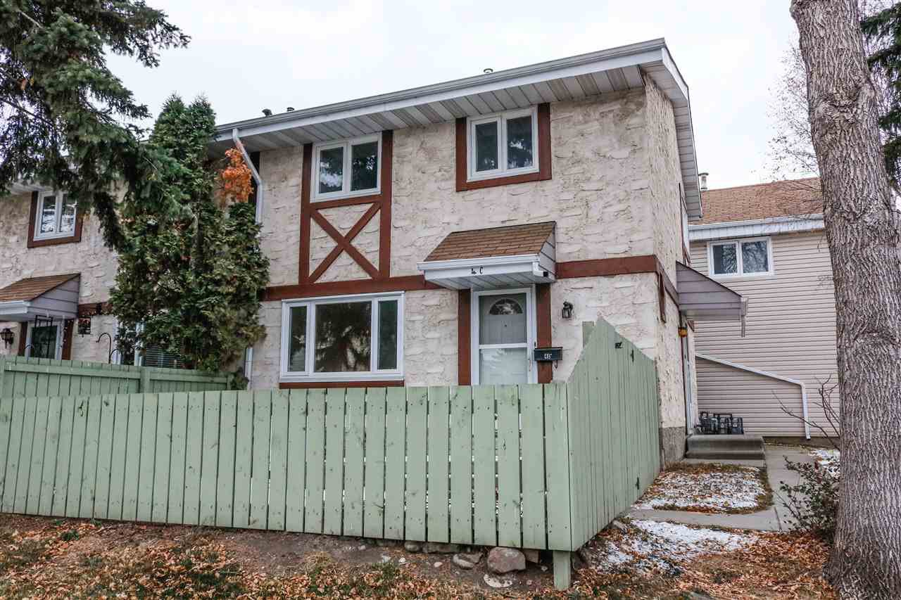 Main Photo: 4C Callingwood CT in Edmonton: Zone 20 Townhouse for sale : MLS®# E4218963