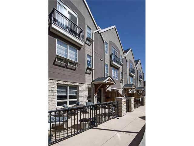 Main Photo: 11 1729 34 Avenue SW in CALGARY: Altadore_River Park Townhouse for sale (Calgary)  : MLS®# C3566973
