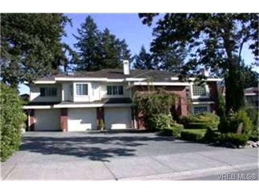 Main Photo:  in VICTORIA: SE Broadmead House for sale (Saanich East)  : MLS®# 382833