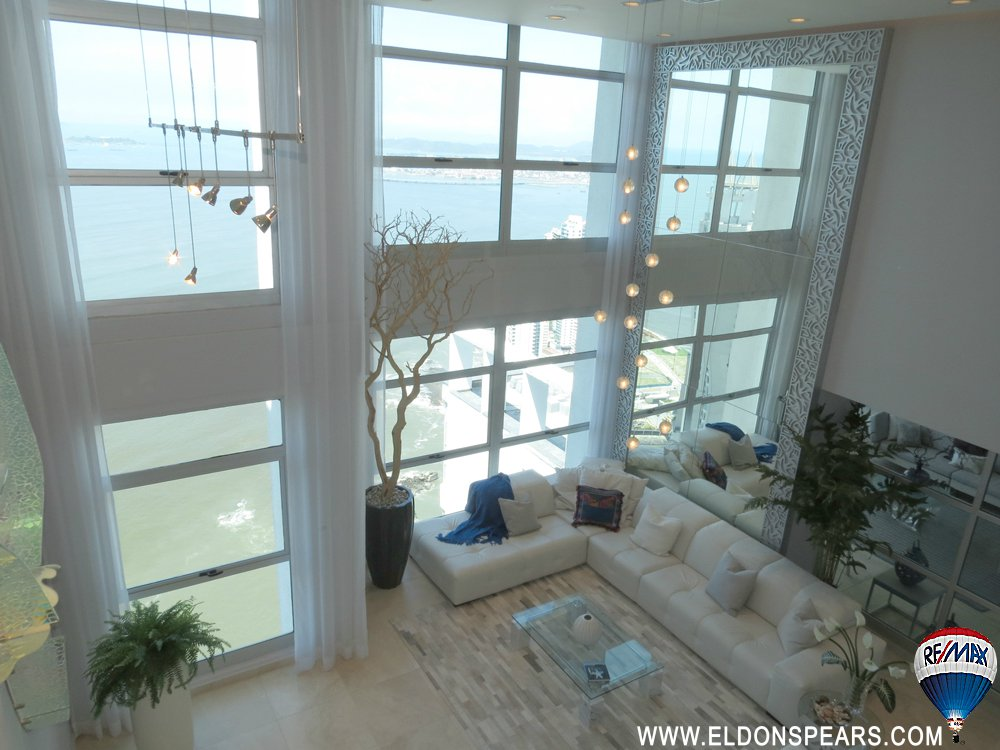 Main Photo: Luxury Penthouse in Q Tower, Panama City, Panama