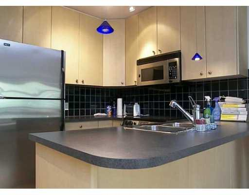 """Main Photo: 819 HAMILTON Street in Vancouver: Downtown VW Condo for sale in """"8-1-9"""" (Vancouver West)  : MLS®# V614383"""