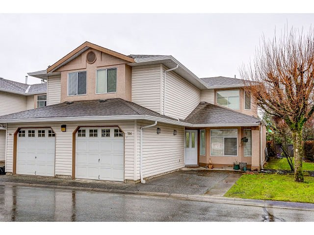 Main Photo: 704 8260 162A STREET in Surrey: Fleetwood Tynehead Townhouse for sale : MLS®# R2019432