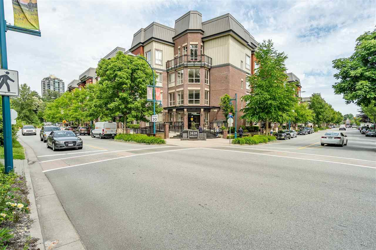 "Main Photo: 303 2628 MAPLE Street in Port Coquitlam: Central Pt Coquitlam Condo for sale in ""VILLAGIO 2"" : MLS®# R2460435"