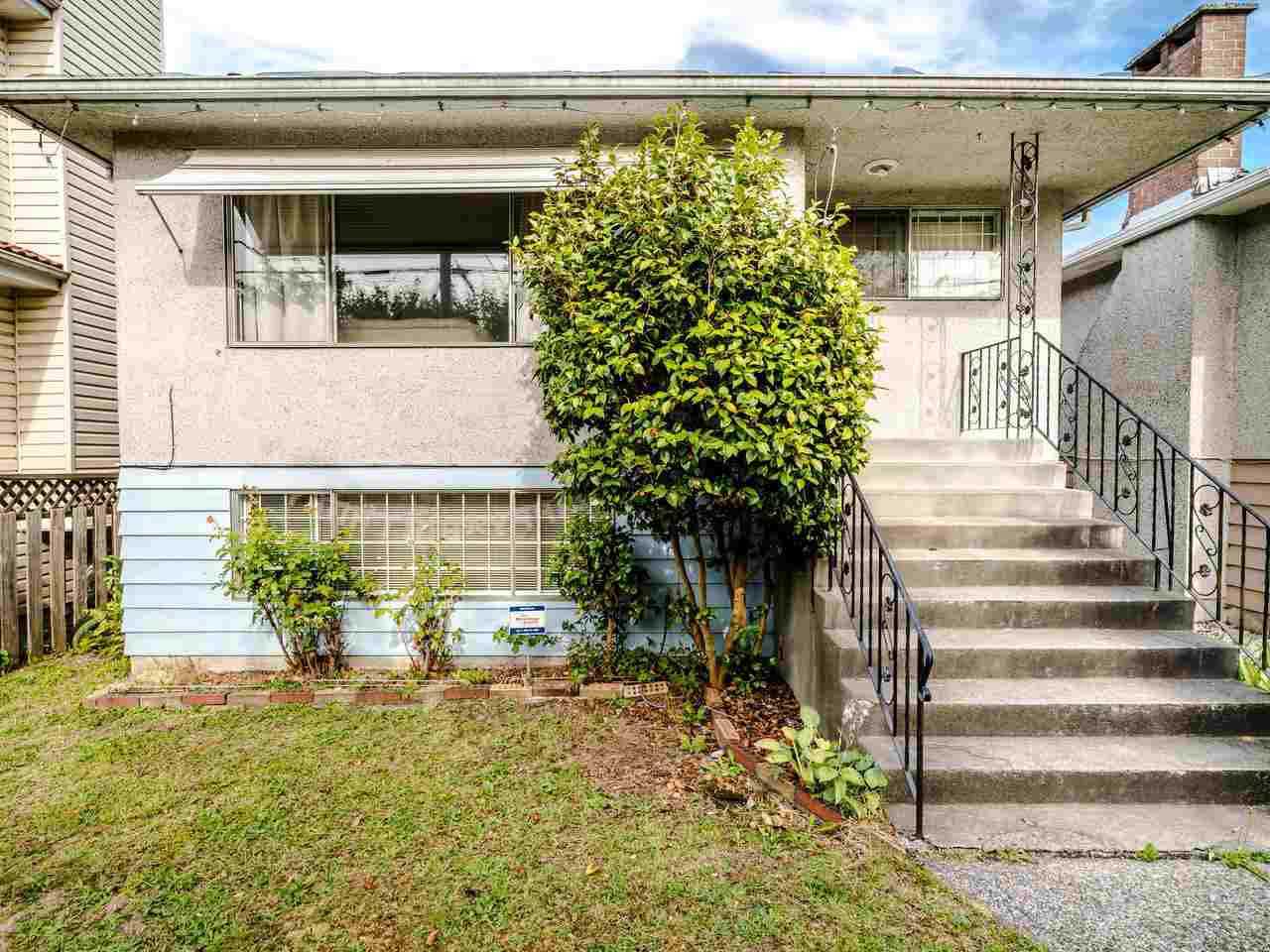 Main Photo: 5904 BERKELEY Street in Vancouver: Killarney VE House for sale (Vancouver East)  : MLS®# R2481103