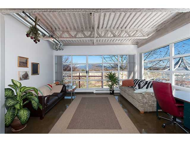 """Main Photo: 334 350 E 2ND Avenue in Vancouver: Mount Pleasant VE Condo for sale in """"MAIN SPACE"""" (Vancouver East)  : MLS®# V930838"""