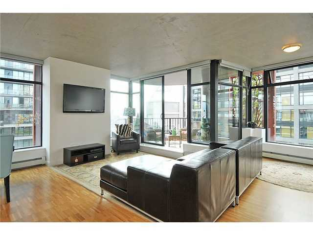 Main Photo: 128 Cordova in Vancouver: Downtown VW Condo for sale (Vancouver West)  : MLS®# V957003