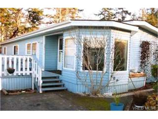 Main Photo:  in SAANICHTON: CS Hawthorne Manufactured Home for sale (Central Saanich)  : MLS®# 383747