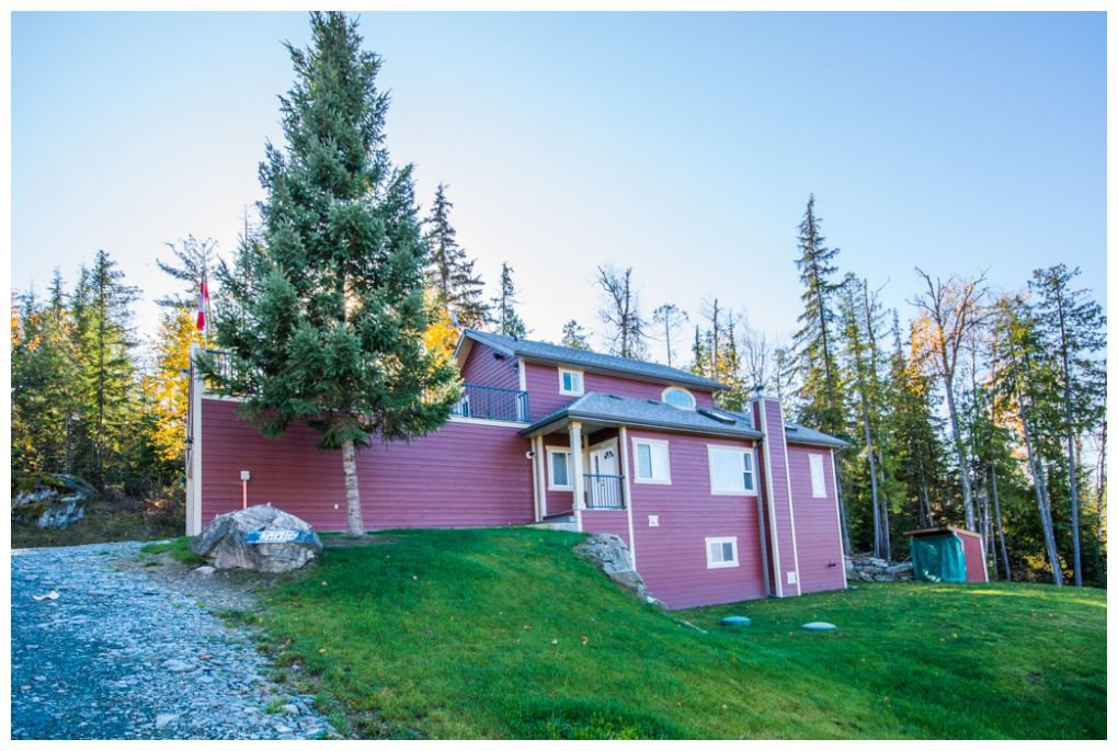 Main Photo: 5046 Sunset Drive: Eagle Bay House for sale (Shuswap Lake)  : MLS®# 10107837