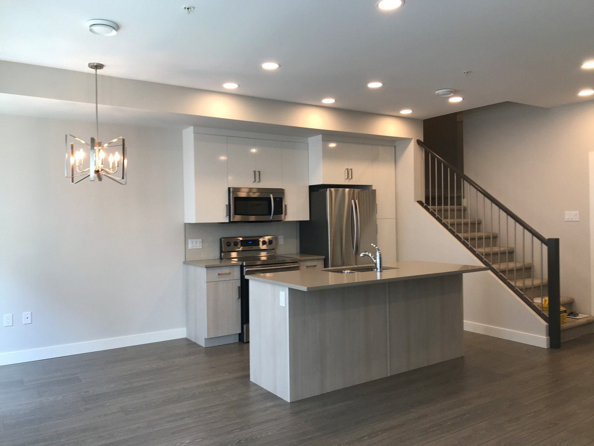 Photo 4: Photos: #18 8466 Midtown Way in Chilliwack: Townhouse for rent