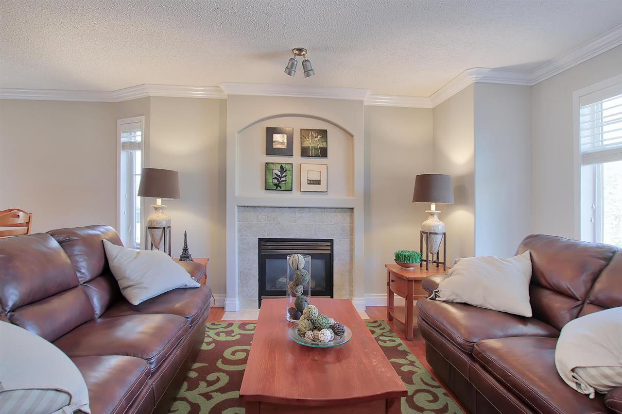 Main Photo: 4755 TERWILLEGAR CM NW in Edmonton: Zone 14 Townhouse for sale : MLS®# E4134773