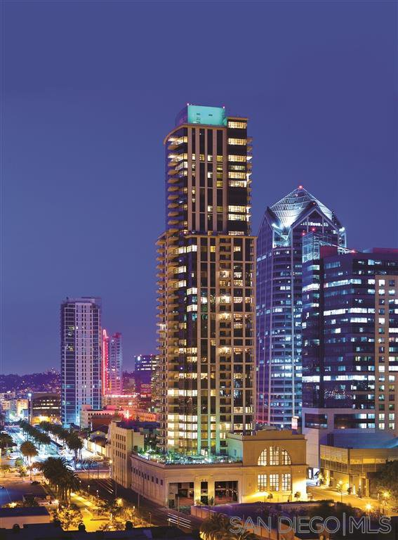 Main Photo: DOWNTOWN Condo for sale : 2 bedrooms : 700 W E #2303 in San Diego