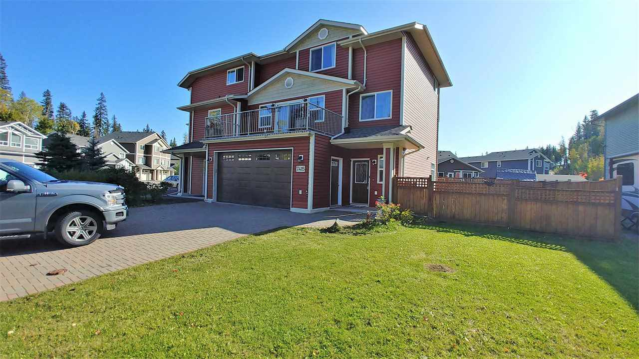 "Main Photo: 7415 CREEKSIDE Way in Prince George: Lower College House 1/2 Duplex for sale in ""LOWER COLLEGE HEIGHTS"" (PG City South (Zone 74))  : MLS®# R2417630"