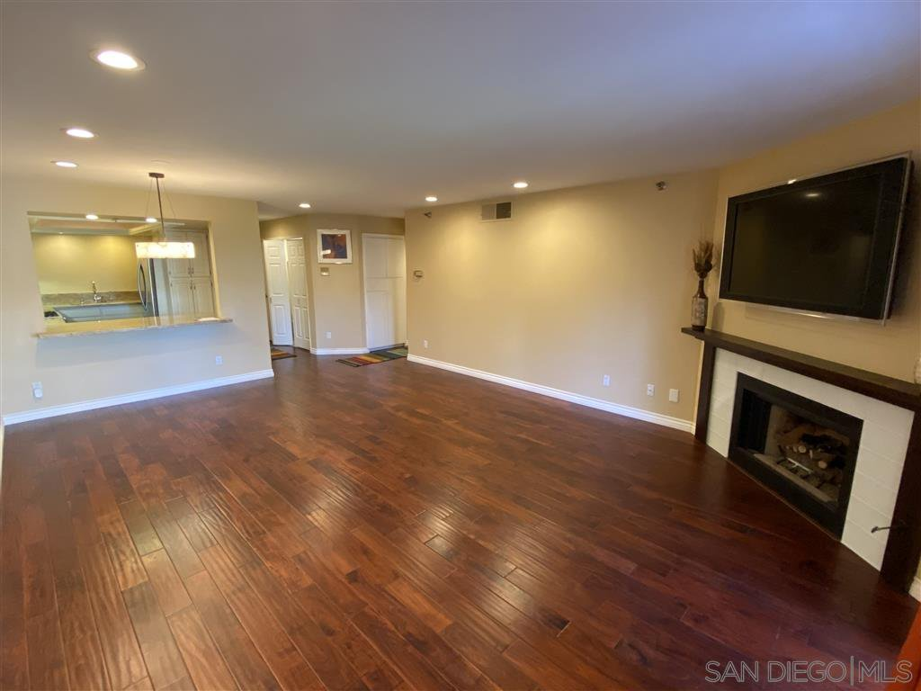 Main Photo: SAN DIEGO Condo for rent : 2 bedrooms : 235 Quince St #102
