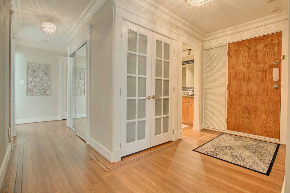 """Photo 10: Photos: 202 101 22ND Street in West Vancouver: Dundarave Condo for sale in """"Argyle Point"""" : MLS®# R2441837"""