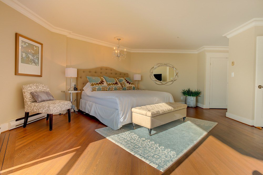 """Photo 12: Photos: 202 101 22ND Street in West Vancouver: Dundarave Condo for sale in """"Argyle Point"""" : MLS®# R2441837"""
