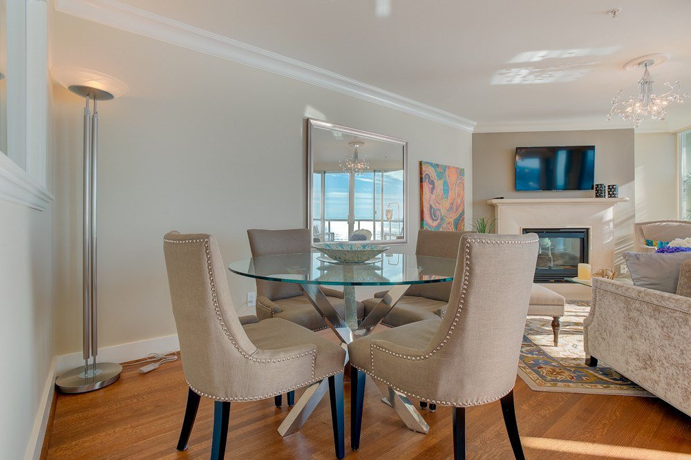 """Photo 6: Photos: 202 101 22ND Street in West Vancouver: Dundarave Condo for sale in """"Argyle Point"""" : MLS®# R2441837"""