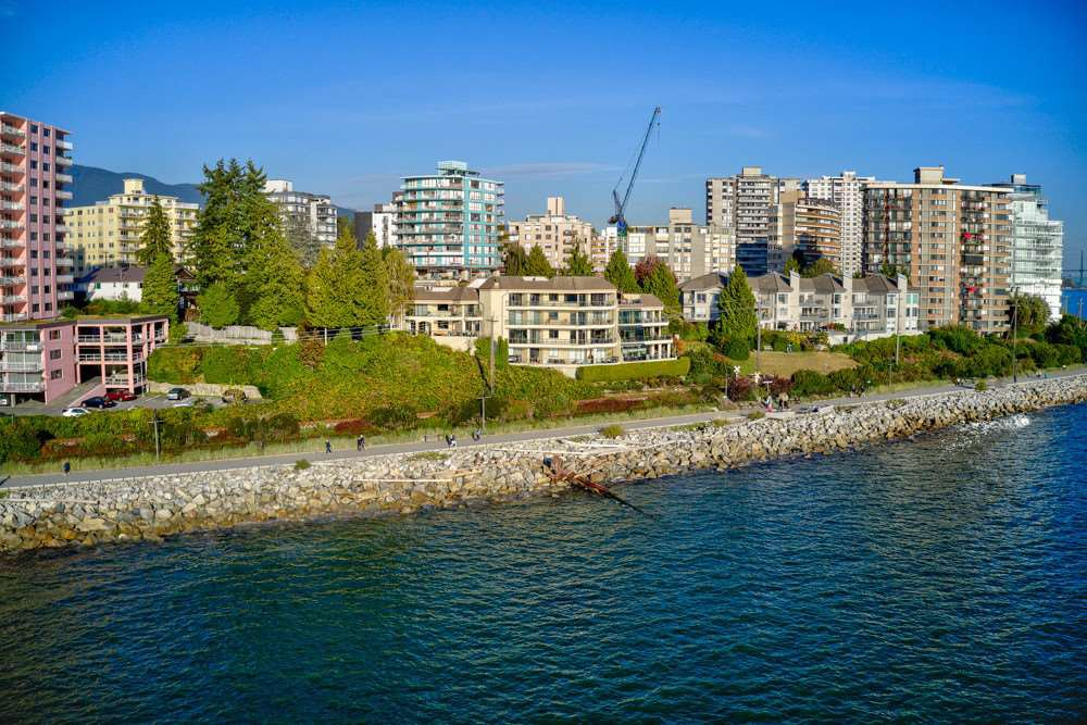 """Photo 18: Photos: 202 101 22ND Street in West Vancouver: Dundarave Condo for sale in """"Argyle Point"""" : MLS®# R2441837"""