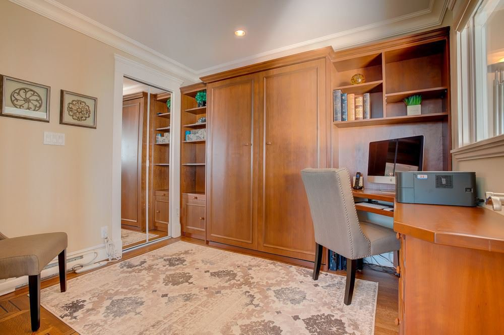"""Photo 15: Photos: 202 101 22ND Street in West Vancouver: Dundarave Condo for sale in """"Argyle Point"""" : MLS®# R2441837"""