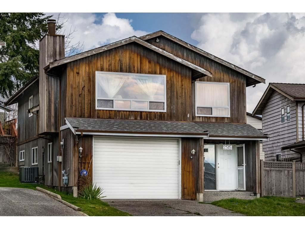 "Main Photo: 2515 WILDING Crescent in Langley: Willoughby Heights House for sale in ""LANGLEY MEADOWS"" : MLS®# R2447428"