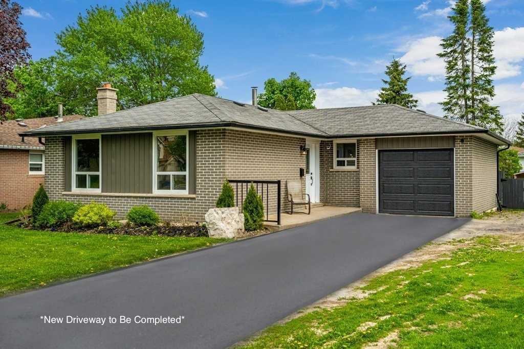 Main Photo: 46 Parkview Drive: Orangeville House (Bungalow) for sale : MLS®# W4773898