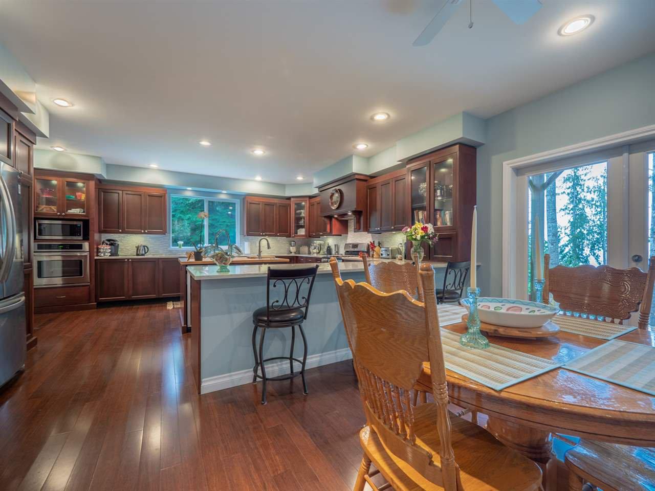 Photo 3: Photos: 8223 REDROOFFS Road in Halfmoon Bay: Halfmn Bay Secret Cv Redroofs House for sale (Sunshine Coast)  : MLS®# R2464862