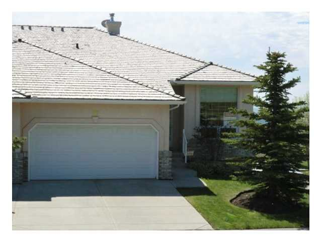 Main Photo: 30 EAGLEVIEW Heights: Cochrane Residential Attached for sale : MLS®# C3565112