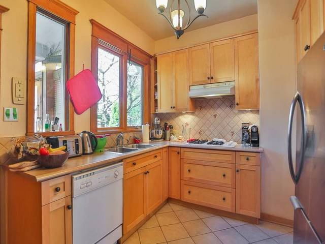 Photo 7: Photos: 972 W 23RD AV in Vancouver: Cambie House for sale (Vancouver West)  : MLS®# V1117315
