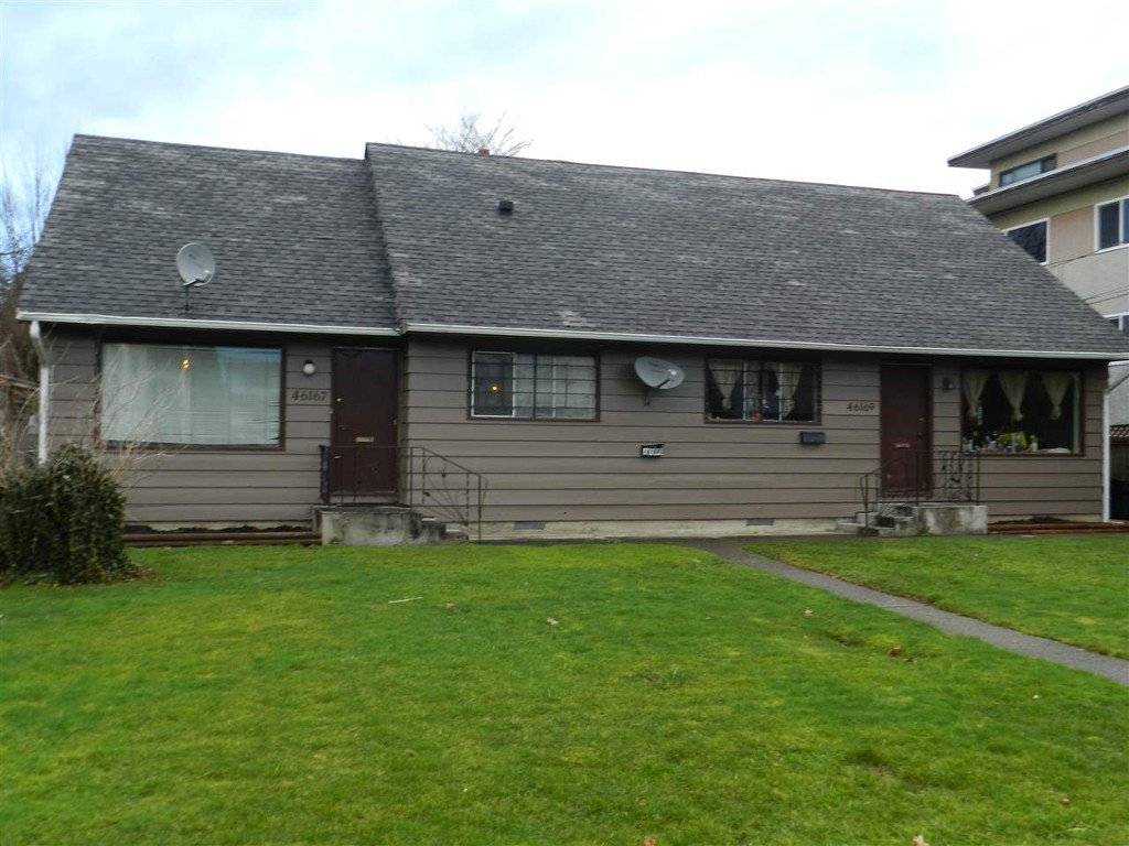 Main Photo: 46167 Princess Avenue in Chilliwack: Chilliwack E Young-Yale Multifamily for sale : MLS®# R2034892