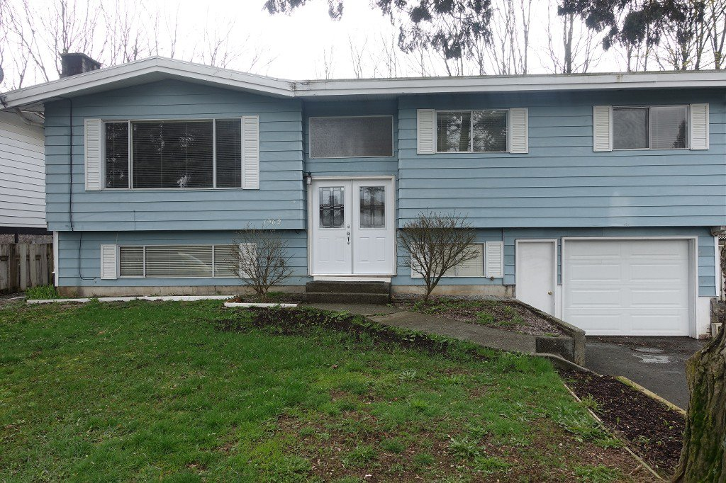 Main Photo: 1962 Catalina Cr. in Abbotsford: Abbotsford West House for rent