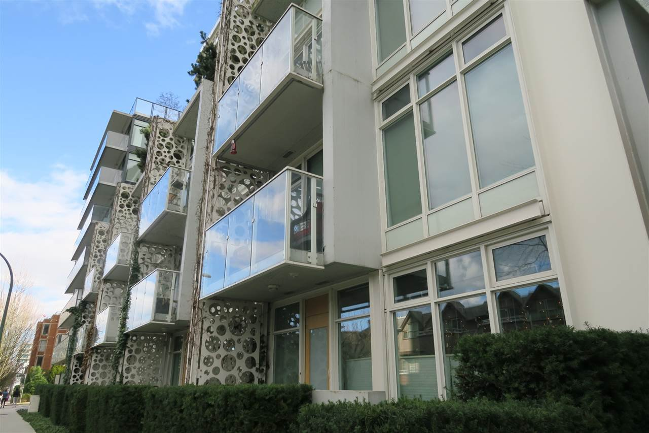 Main Photo: 305 728 W 8TH AVENUE in Vancouver: Fairview VW Condo for sale (Vancouver West)  : MLS®# R2396596