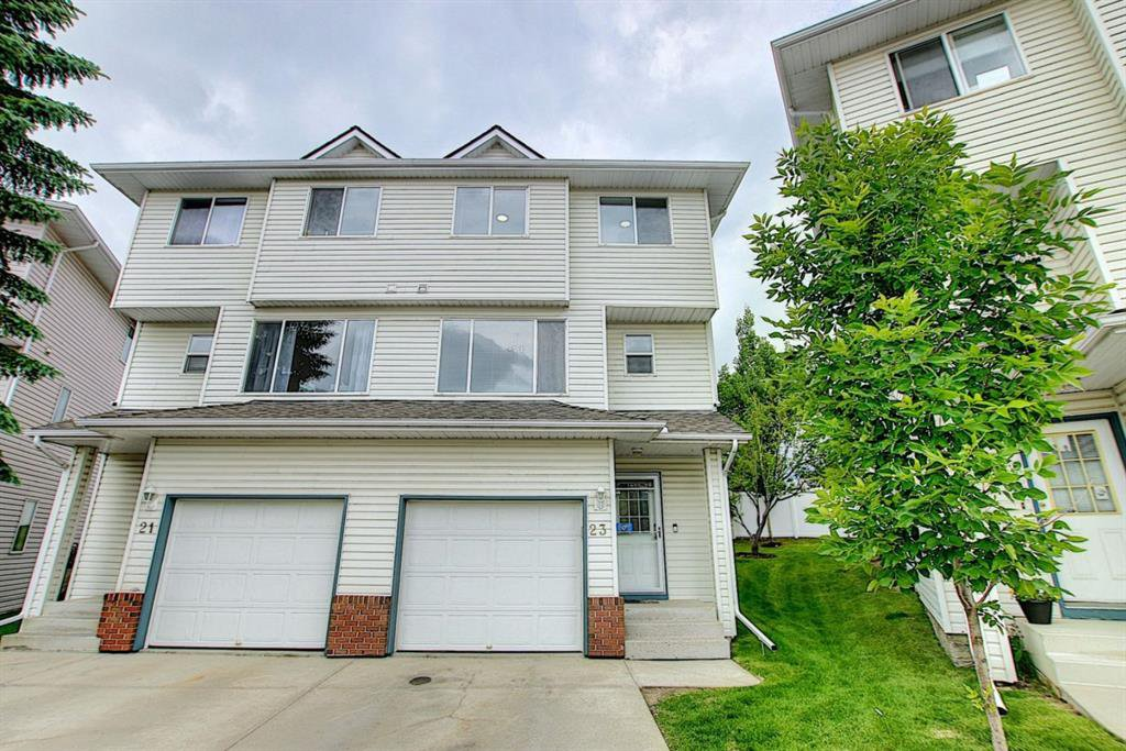 Main Photo: 23 HARVEST OAK Circle NE in Calgary: Harvest Hills Semi Detached for sale : MLS®# A1020745