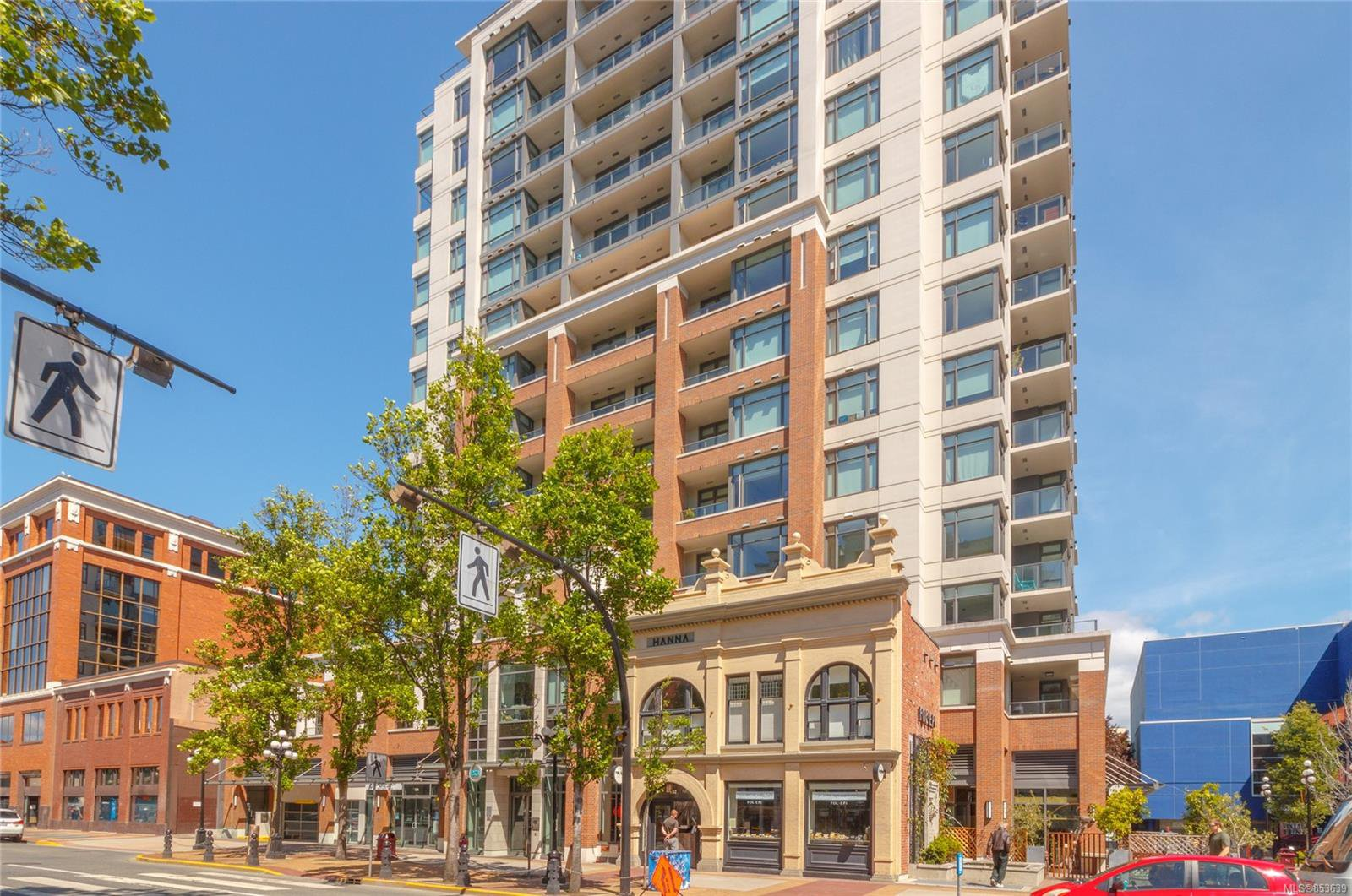 Main Photo: 403 728 Yates St in : Vi Downtown Condo Apartment for sale (Victoria)  : MLS®# 853639