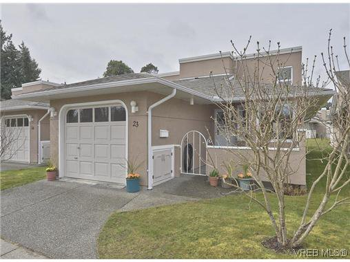 Main Photo: 23 3049 Brittany Dr in VICTORIA: Co Sun Ridge Row/Townhouse for sale (Colwood)  : MLS®# 600003