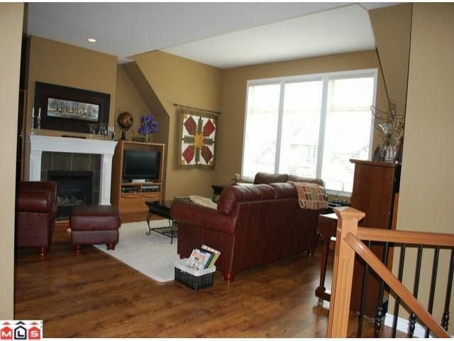 Photo 2: Photos: 8510 UNITY Drive in Chilliwack: Eastern Hillsides House for sale : MLS®# H1202356